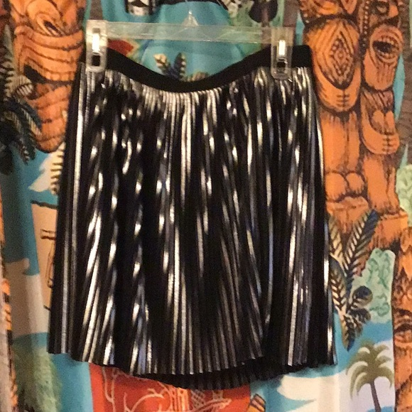 Express Dresses & Skirts - AFlavored black and silver a line skirt